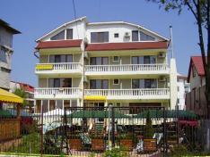 Hotel Roxy&Maryo